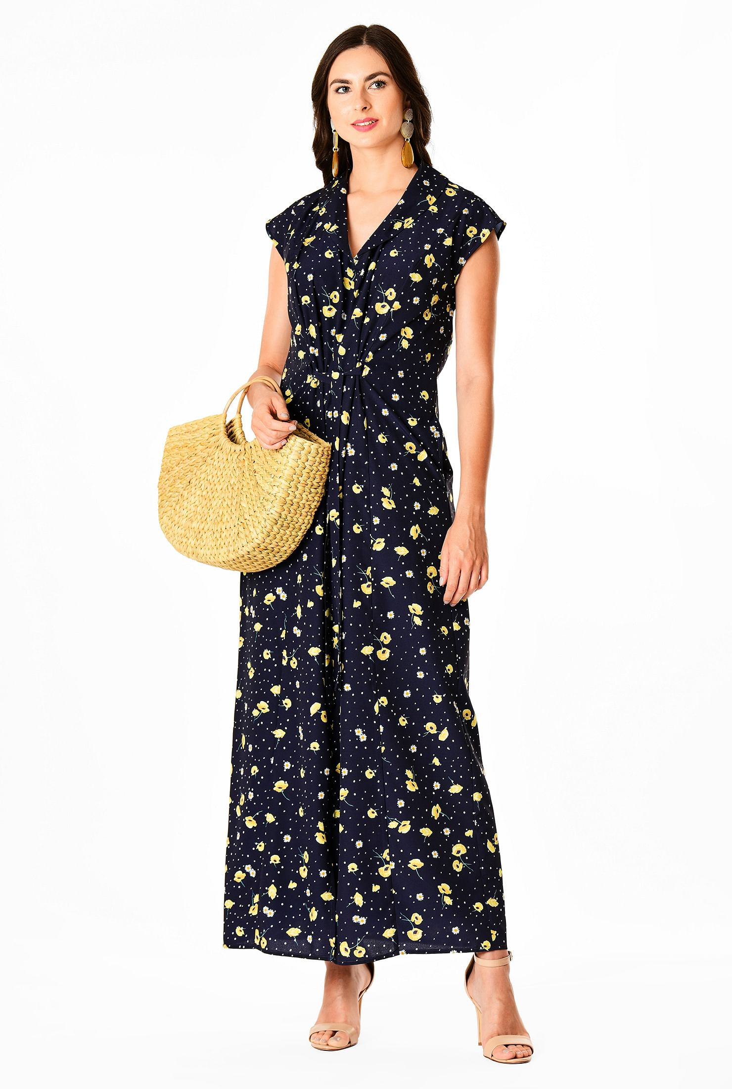 The Floral Print Crepe Shift Style Dress travel product recommended by Lindsay Wells on Lifney.